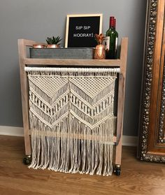 67 отметок «Нравится», 6 комментариев — A L I S H A  (@iwouldratherknot) в Instagram: «Bar cart goals  Macrame curtains make everything better! • • • • • • #iwouldratherknot…»