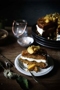 Pratos e Travessas: Bolo de abóbora com maças caramelizadas e creme de ricotta # Pumpkin cake with caramelized apples and ricotta cream | Food, photography and stories