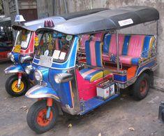 Les transports au Vietnam. Tuk tuk au Vietnam.