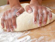 Így lesz tökéletes a fánk, a kenyér a kalács - kelt tészta lépésről lépésre | Mindmegette.hu