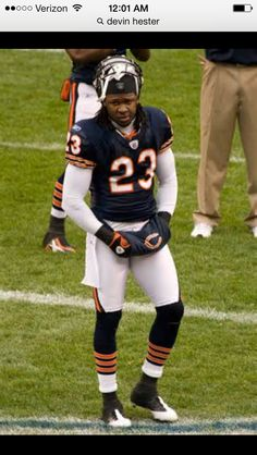 Devin Hester is off the bears! Devin Hester, Bears Football, Best Player, Chicago Bears, Cubs, All Star, Sports, Hs Sports, Bear Cubs