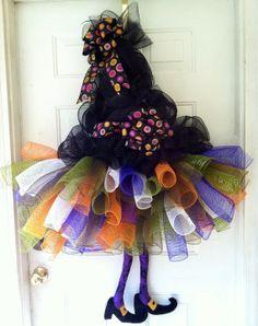 FALL SALE Extra Large Whimsical Witch Tutu por TheRedHenHouse
