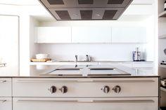 Estudio de interiorismo Barcelona. Somos especialistas en cocinas, mobiliario de diseño, proyectos de decoración y reformas integrales de alta gama.