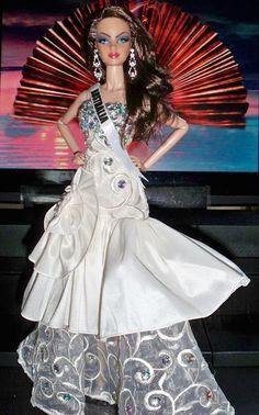 MDU Miss Australia Esma Voloder 2015 / 12.25.4