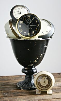 old clocks......@Esther Valdez see all i needed was a vision for my old clock collection/obsession