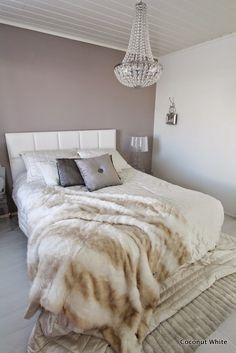 Coconut White: Makuuhuoneen krominen naulakko