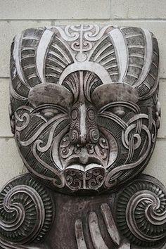 Traditional Maori Stone Carving, Hamilton, Aotearoa New Zealand By global oneness project. hand indicative of demi-god status; possibly trickster hero Maui of the region's legends. Art Beauté, Nz Art, Arte Tribal, Tribal Art, Mascara Maori, Stone Carving, Wood Carving, Ta Moko Tattoo, Maori Tattoos