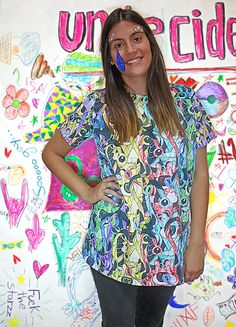 KISS MY UN t-shirt, color, oversize, sequins, fashion, makeup, undecided, unlovers, fun, glitter, design, shiny, club, aliens, spontaneous, irreverent, gold, pink, blue, green, white, purple, unlovers , handmade, pattern Pink Blue, Blue Green, Aliens, Kiss, Sequins, Glitter, Club, Makeup, Pattern
