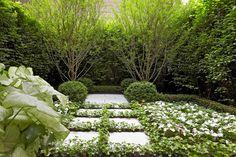 Edmund Hollander Landscape Architects | City Courtyard