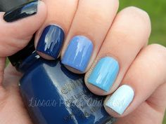 Ombre blue nails - shades used: Essence Date In The Moonlight  China Glaze First Mate  China Glaze Secret Peri-wink-le  Ulta3 Pro Sky Blue  Essie Borrowed And Blue