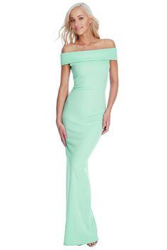 Dostępne różne rozmiary  – długa sukienka w ślicznym, pastelowym, miętowym kolorze – główną ozdobą sukienki jest fantastyczny dekolt, który cudownie prezentuje ramiona i szyję, bardzo modny w tym sezonie – sukienka ma dopasowany fason, podkreśla kobiecą sylwetkę, pokazując jej wszystkie atuty – z tyłu nieziemskie rozcięcie, prezentuje nogi co wygląda niezwykle kobieco – materiał