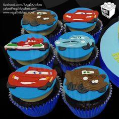 Disney Cars Cupcakes_Cars 2_Lightning McQueen_Sir Tow Mater_Finn McMissile_Francesco Bernoulli_2D Cupcake Toppers_Race_Cartoon_Vehicles