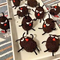 Cake Decorating, Birthdays, Sweets, Cakes, Baking, Christmas Ornaments, Halloween, Holiday Decor, Crochet
