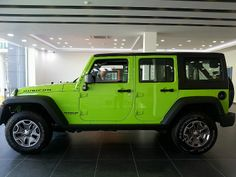 Jeep Wrangler 2013 - You don't buy a Wrangler for economy or luxury. Aside from that you have the perfect vehicle.