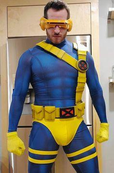 Spiderman Cosplay, Superhero Cosplay, Male Cosplay, Cosplay Outfits, Hero Hunk, Halloween Man, X Men Costumes, Dc Comics, Cyclops X Men