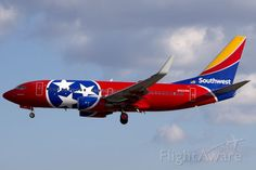 """Southwest Airlines, Boeing 737-7H4 (N922WN) """"Tennessee One"""" at Little Rock (KLIT)"""