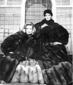 black n white White Fur, Black N White, Furs For Sale, Animal Slaughter, Big Skirts, Fur Coat Fashion, Fabulous Fox, Animal Fur, Vintage Fur