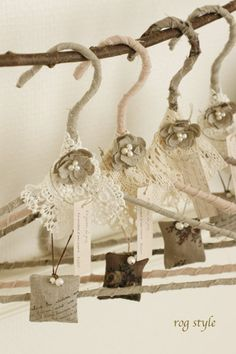 Pretty Lace Hangers......love these for the girls