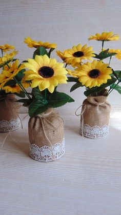 1 million+ Stunning Free Images to Use Anywhere Burlap Table Decorations, Sunflower Wedding Decorations, Sunflower Centerpieces, Sunflower Bouquets, Flower Decorations, Sunflower Room, Sunflower Party, Sunflower Baby Showers, Wedding Table