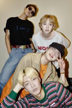 hoony is me when i take gang photo Winner Kpop, Mino Winner, Winner Winner, Seungyoon Winner, Song Mino, E Dawn, Fandom, Day6, 2ne1