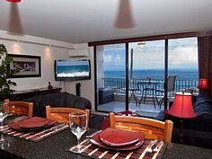 Totally Remodeled 2nd Floor Ocean Front Condo- Free Wifi- Fully Air ConditionedVacation Rental in Kailua Kona from @homeaway! #vacation #rental #travel #homeaway