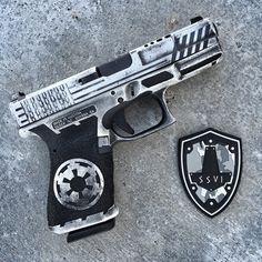 Wicked Storm Trooper Glock 19 I want it. Weapons Guns, Guns And Ammo, Glock Guns, Cosplay Weapons, Revolver, Rifles, Custom Guns, Custom Glock, Cool Guns