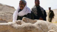 Excavan una necrópolis en Egipto con 1.000 estatuas y 40 sarcófagos en buen estado