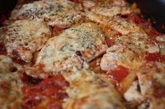 Különleges szószos pulykamell, ezért garantáltan rajongani fogsz! Meat Recipes, Real Food Recipes, Hungarian Recipes, Hungarian Food, Ethnic Recipes, Gastronomia, Cooking Food, Recipes, Beef Recipes