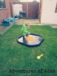 Week 3 - Sense of Taste Cornflake Sensory Tuff Spot – Day 56 Toddler Play Challenge | http://adventuresofadam.co.uk/cornflake-sensory-tuff-spot-day-56/