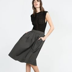Zara Midi Skirt Zara Midi skirt with pockets•drop waist•outer shell is 67%polyester/33%cotton•perfect for any occasion•  •Color: Dark Gray•Size: M •Condition: BNWT   Our Home Is: •Smoke-free 🚭 •Pet friendly (🐶) Zara Skirts Midi