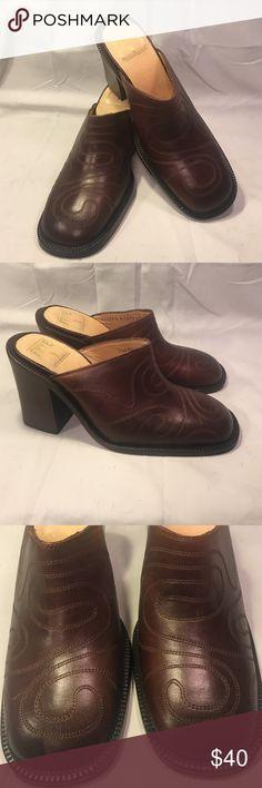 "Frye Conrad mules NWT Brown Frye ""Conrad"" mules. Size 8m Frye Shoes Mules & Clogs"