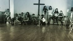 Feliz de conocer a este grupo de jóvenes con los cuales pase un tiempo muy genial de mi vida se les extraña un abrazo a cada uno !!! #amigos #amigas #edemarzo #God #conoceradiosydarloaconocer #worship #ywam #jucum by jhonattanpb http://bit.ly/dtskyiv #ywamkyiv #ywam #mission #missiontrip #outreach