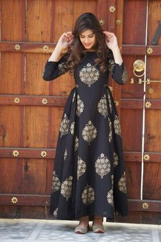 Buy online Dresses - Black block printed cotton maxi dress from Jharonka Mode Abaya, Mode Hijab, Indian Designer Outfits, Designer Dresses, Designer Kurtis, Pakistani Dresses, Indian Dresses, Indian Suits, Indian Wear