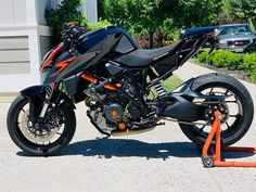 Ktm Super Duke, Bmw Scrambler, Street Fighter, Old Cars, Biking, Cars And Motorcycles, Motorbikes, Devil, Vehicles