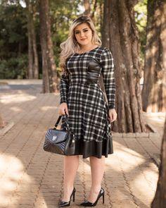 """1a965ff135a1c LARISSA VALZACCHI on Instagram  """"  Achei esse look bem elegante ❤   sarah rose alfaiataria está com lançamentos maravilindoooos 😍 ."""