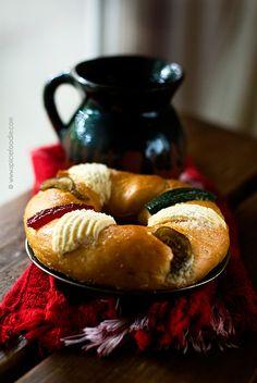 Rosca de Reyes con Tarro de Chocolate, (Típica tradición el 6 de enero) México.