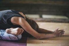 inversions  yoga  pinterest  kino macgregor book and posts