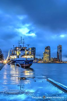 The blue hour, early morning on a rainy day at Parkkade (Park Quay), Rotterdam Most Beautiful Cities, Wonderful Places, Rotterdam, European City Breaks, Invisible Cities, Amsterdam City, Blue Hour, European Destination, Bays