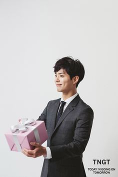 park bogum for tngt ✧ 2016 s/s visual campaign (behind the scenes)