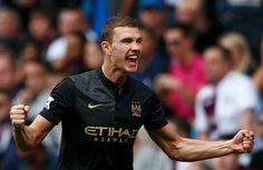 Edin Dzeko in talks with Manchester City over new contract
