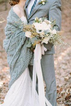Как вязать руками? Мастер-класс для создания декораций для уютных зимних свадеб