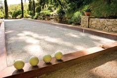 Bocce Court. This court in Ross, California, was designed by David Brewer and features a traditional oyster shell surface.  Photo: Barbara Ries.