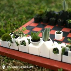 I never conquered chess but this is beautiful! Micro Planter Chess Set is a printed mini-garden game Impression 3d, Urban Deco, Cactus Planta, Garden Games, Pot Jardin, Chess Pieces, Deco Design, Garden Accessories, Flower Pots