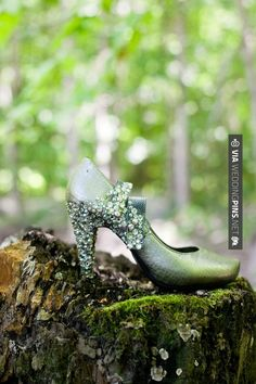 Neato - Steampunk DIY wedding  |  hitched studios | CHECK OUT MORE GREAT GREEN WEDDING IDEAS AT WEDDINGPINS.NET | #weddings #greenwedding #green #thecolorgreen #events #forweddings #ilovegreen #emerald #spring #bright #pure #love #romance