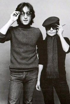 Singer John Lennon and wife Yoko Ono. Born John Winston Lennon 9 October 1940, Liverpool, United Kingdom. Assassinated: 8 December 1980, New York City. Born Ono Yōko オノ・ヨーコ 小野 洋子  8 February 1933, Tokyo, Japan