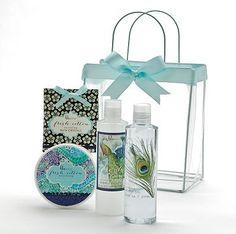 A tu mamá le encanta cuidar de su piel, perfecto este es el mejor regalo, un set completo para cuidar su piel en la ducha o la bañera.