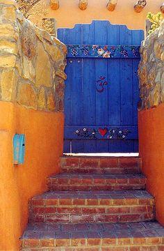 Blue door - Santa Fe, New Mexico Cool Doors, Unique Doors, Door Knockers, Door Knobs, Santa Fe Style, Door Gate, Garden Gates, Closed Doors, Doorway