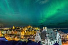 Northern lights above Ålesund city😍🇳🇴 Did you see our giveaway post last night? You have the chance to win a trip to see this yourself in… Beautiful Sky, Beautiful World, Beautiful Places, Alesund, Land Of Midnight Sun, Places To Travel, Places To Go, Night Sky Photos, Northen Lights