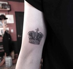 Detailed Crown Tattoo by Nando