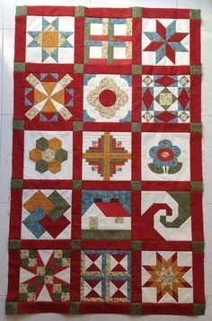 Unión de bloques del sampler Colchas Quilting, Quilting Projects, Sewing Projects, Patch Quilt, Quilt Blocks, Colchas Country, Log Cabin Patchwork, Sampler Quilts, Quilting For Beginners